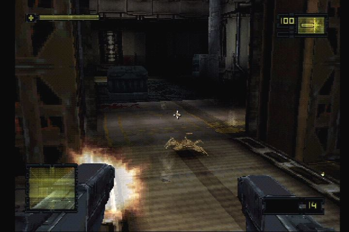 489387-alien-resurrection-playstation-screenshot-christie-uses-twin