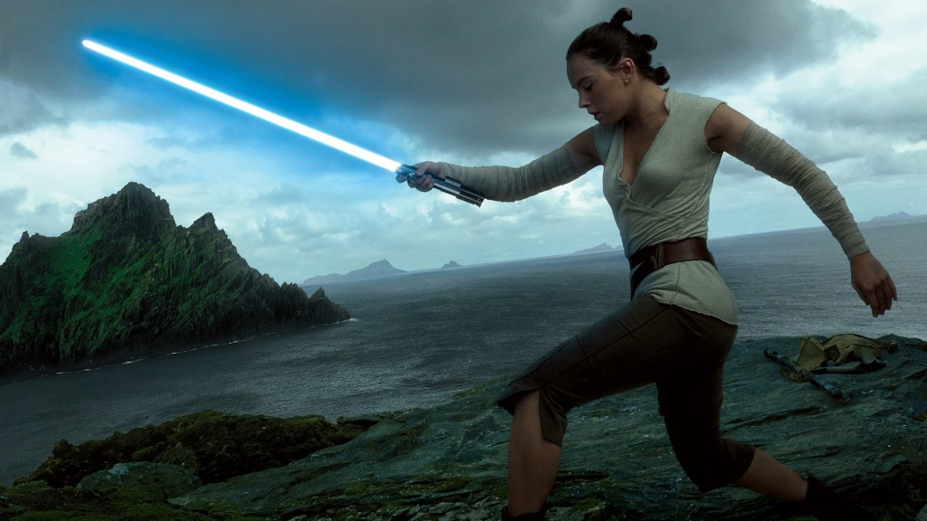 rey-will-definitely-wield-the-skywalker-saber-for-at-least-some-of-the-last-jedijpeg